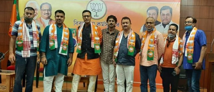 Biman Baruah and singer Kallol Borthakur along with some other entertainment industry professionals on Monday joined the Bharatiya Janata Party (BJP).