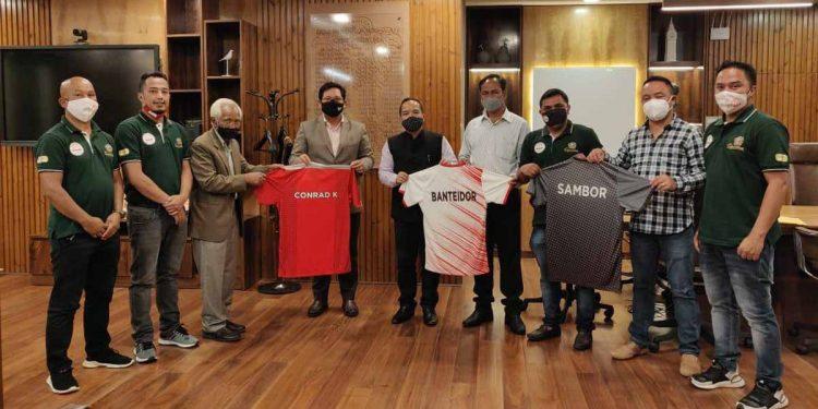 Meghalaya CM Conrad Sangma with officials of Ryntih Sports Club. Image: Northeast Now