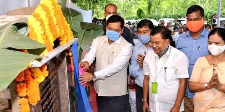 Assam CM Sarbananda Sonowal inaugurating AMCH link Road in Dibrugarh. Image: Northeast Now