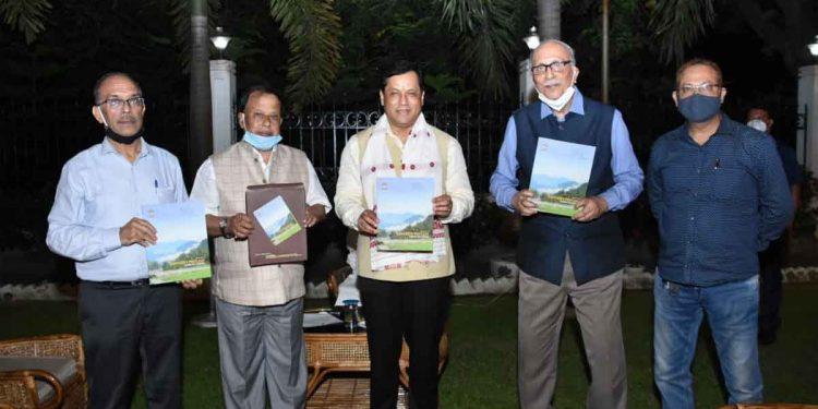 Assam CM Sarbananda Sonowal releasing the second volume journal of SITA.