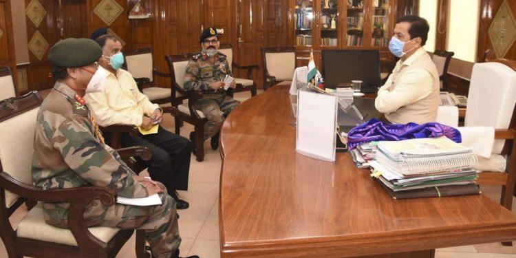 Assam CM Sarbananda Sonowal and Maj Gen Ananta Bhuyan