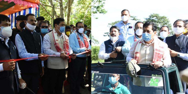 Assam CM Sarbananda Sonowal Sonowal in Kaziranga National Park