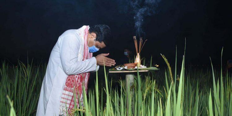 Assam CM Sonowal joins Kati Bihu celebration at Mangaldai 1