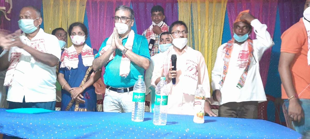Assam: 400 including AIUDF, Congress members join BJP in Dhubri 3