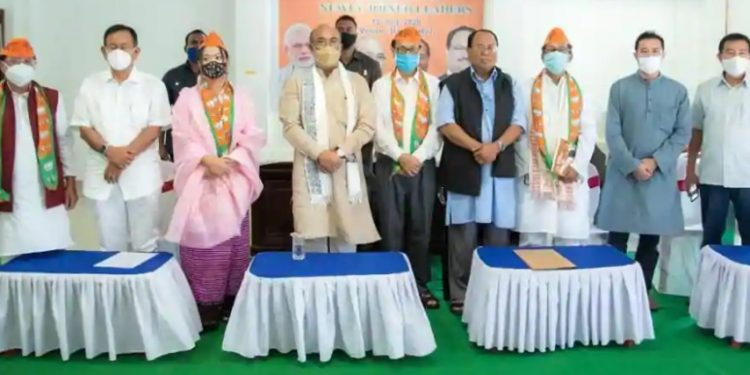 Chief minister N Biren and Manipur BJP president S Tikendra felicitated the three Congress leaders in Imphal.
