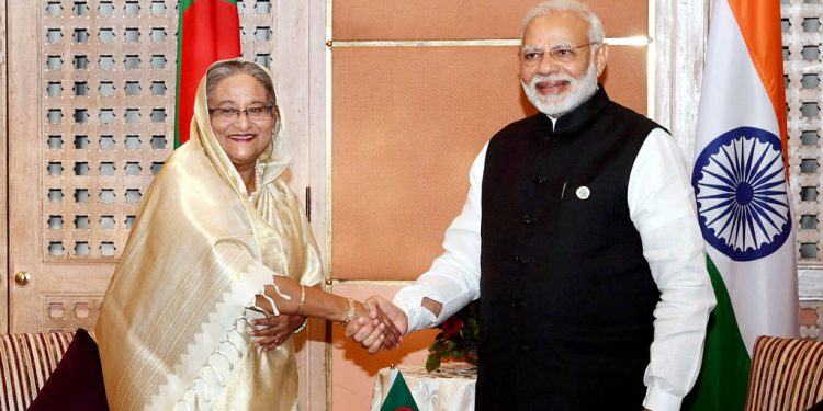 PM Narendra Modi with his Bangladesh counterpart Seikh Hasina. (File image).