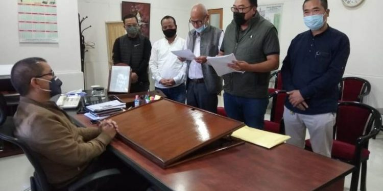 Youth wing of Mizoram Congress on Tuesday filed a complaint with governor PS Sreedharan Pillai.