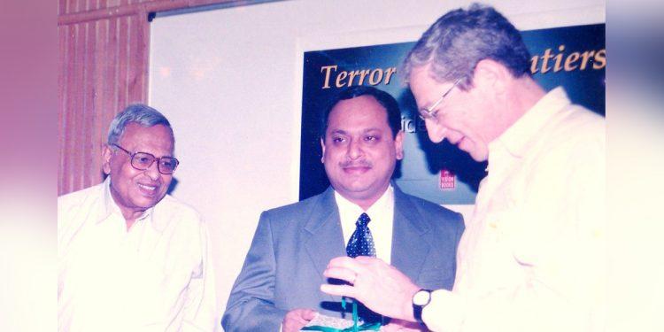 Stephen Cohen releasingTerror Sans Frontiers-Islamist Militancy in North East India in 2004.