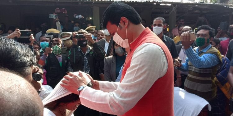 Kanchanpur violence: Tripura Chief Minister Biplab Deb gives away ex-gratia to victims' families 1