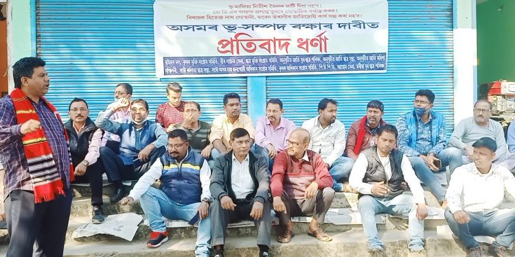 Assam: Groups hold protests opposing construction of apartments at Jorhat bus terminus 1