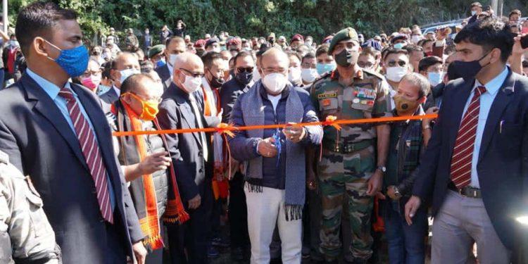 Induia Army builds bridge