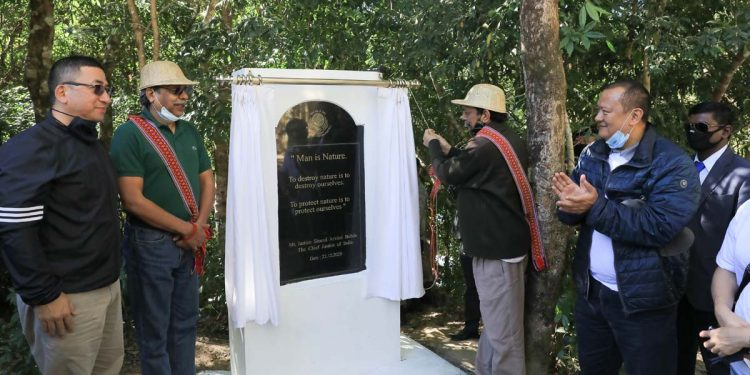 Chief Justice of India Sharad Arvind Bobde laying the foundation stone of a project to protect flora and fauna at Mizo village in Reikek. Image credit - DIPR