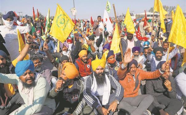 Protesting farmers call for 'chakka jaam' on February 6 1