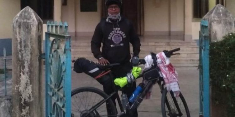 During the journey, he passed through at least 16 districts of the state, covering a distance of more than 830 km in one week.