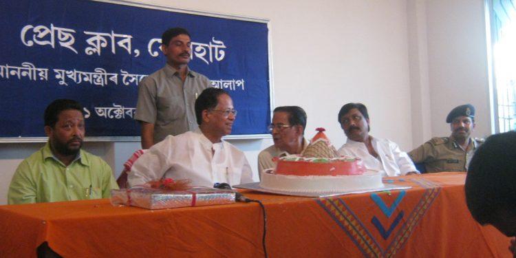 Photo of Tarun Gogoi at Press Club, Jorhat on October 11, 2009.