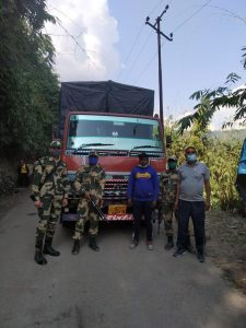 Meghalaya: BSF troopers seize cattle smuggling truck, rescues 30 cattle 1