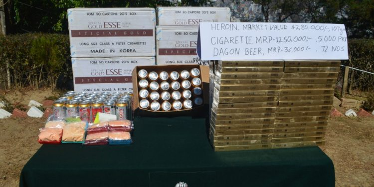 Mizoram: Heroin, foreign cigarettes and beer seized by Assam Rifles, 2 smugglers arrested 1