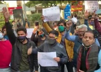 Scribes protest outside Delhi police HQ against arrest of Mandeep Punia 2