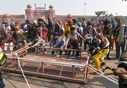 Republic Day tractor parade violence: Can BJP govt evade responsibility? 1