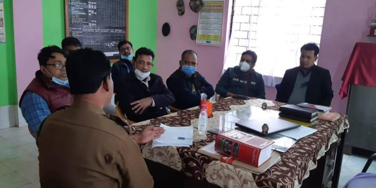 Members of ATGDA meeting Officer in-Charge of Natun Bazaar Police Station.