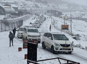 Sikkim: 447 stranded tourists rescued in Nathu-La after snowstorm 1