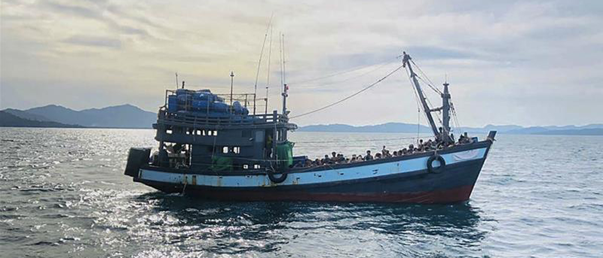 Boat carrying Rohingya refugees drifts into Indian waters, UN body calls  for help