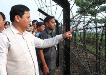 Assam CM Sarbananda Sonowal visits Bangladesh border. (File image)