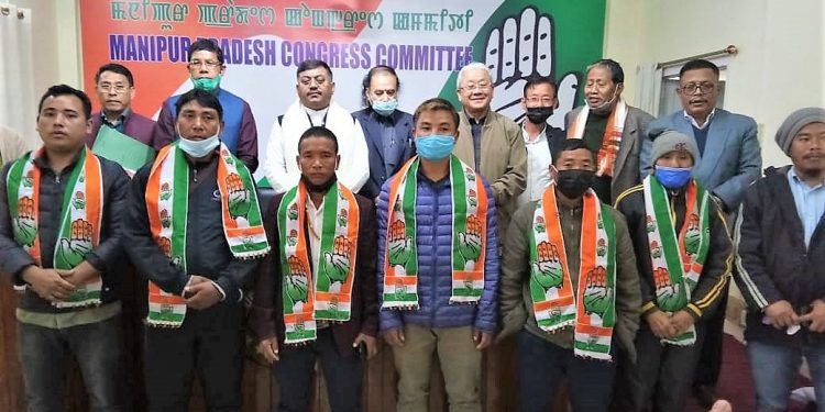 Setback for BJP, 6 party leaders, 200 workers join Congress in Manipur 1