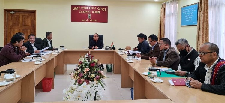 Leaders of the central committee of Young Mizo Association or CYMA on Monday called on chief minister Zoramthanga.