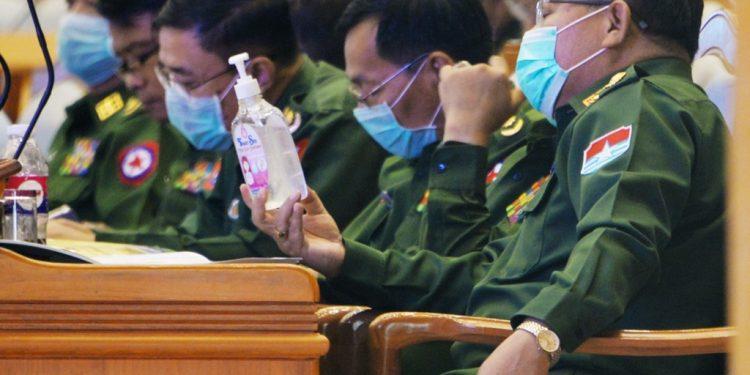 Myanmar's military ruler remits sentences of over 23,000 prisoners 1