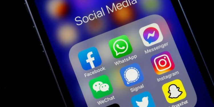 Centre issues new guidelines to regulate social media, news portal 1
