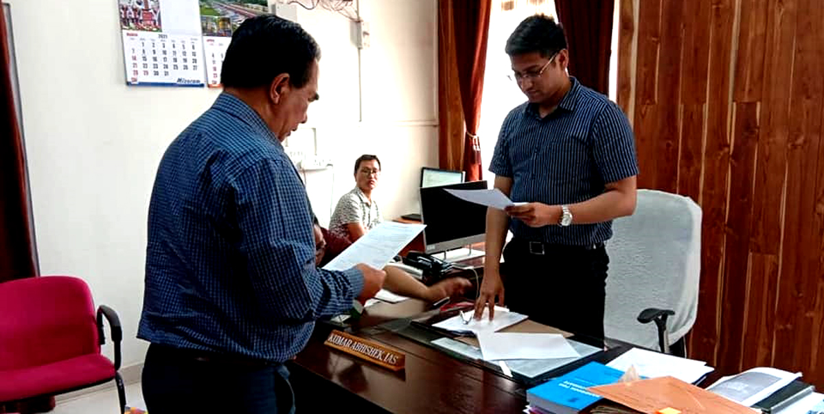 Mizoram: ZPM leader Lalduhoma on Wednesday filed nomination for the by-poll to Serchhip Assembly constituency.