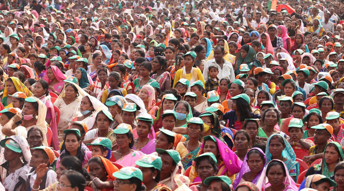 Has the PM ever visited a tea garden, met women workers there? Asks Priyanka Gandhi in Assam 1