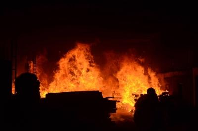 Protest over Modi's visit: Bangladesh militants torch central library 1