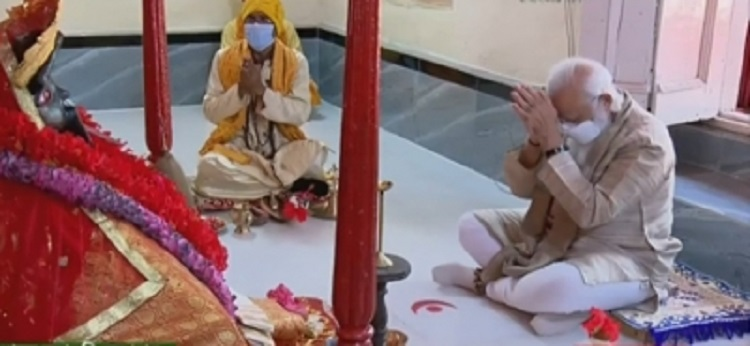 Modi, the first foreign head of state to visit the temple, was received by devotees with conch shells.