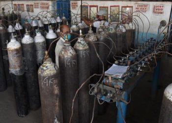 Beg, borrow or steal, but provide oxygen: Delhi High Court tells Centre 1