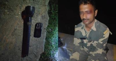Bangladeshi smugglers attack BSF personnel near border 1