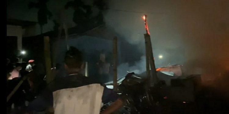 Assam: Fire guts six houses in Dibrugarh 1