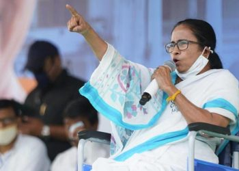 COVID-19 crisis: Mamata Banerjee urges EC to hold last three phases of West Bengal elections on single day 1