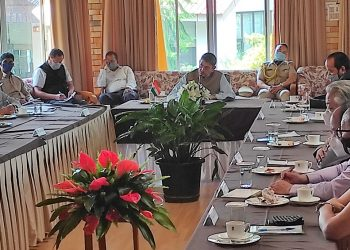Nagaland Governor RN Ravi holding a meeting with political party leaders at Raj Bhavan in Kohima on Wednesday.