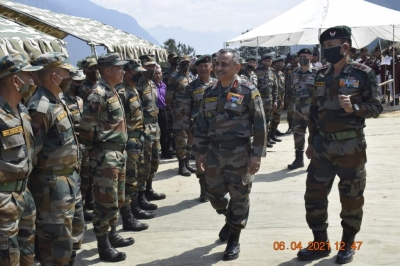 Top Army officer visits forward locations in Arunachal along Indo-China border 1