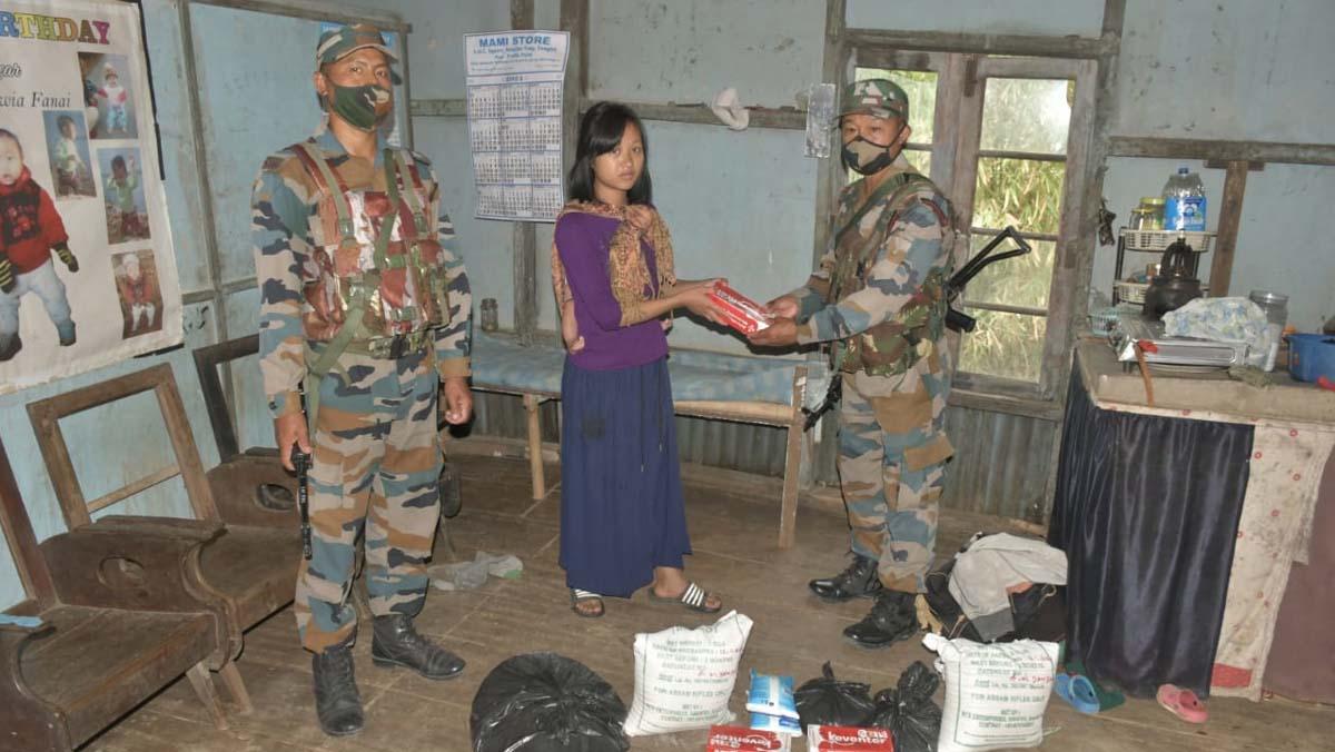 Assam Rifles extends helping hand 1