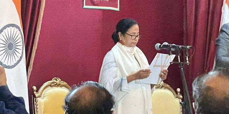 Mamata Banerjee sworn-in as West Bengal CM for third time 1
