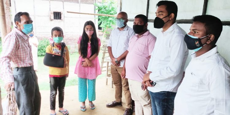 Assam: AASU takes up education responsibility of 3 orphans whose parents died of COVID-19 1