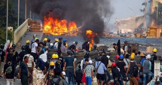 818 people killed as military crackdown on anti-coup protesters continues in Myanmar 1