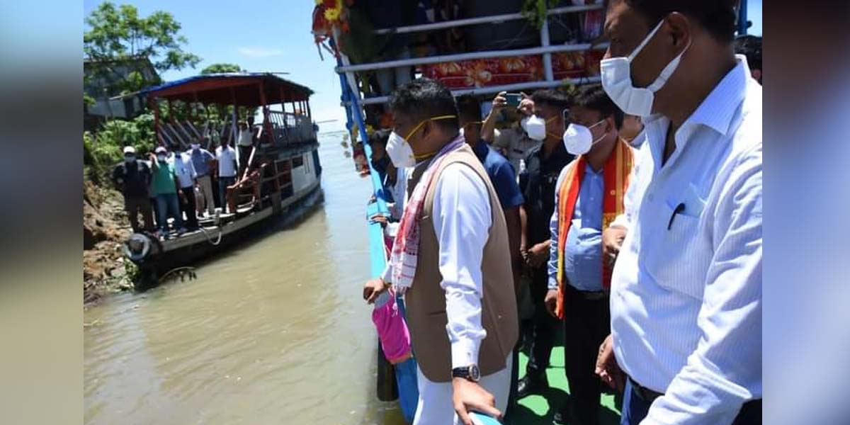 Assam water resources minister Pijush Hazarika visits embankments in Dibrugarh district, inspects repair works - Northeast Now