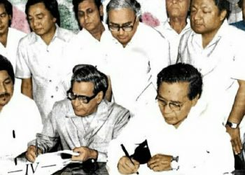 Image of the historic signing of the Mizo Peace Accord on June 30, 1986.