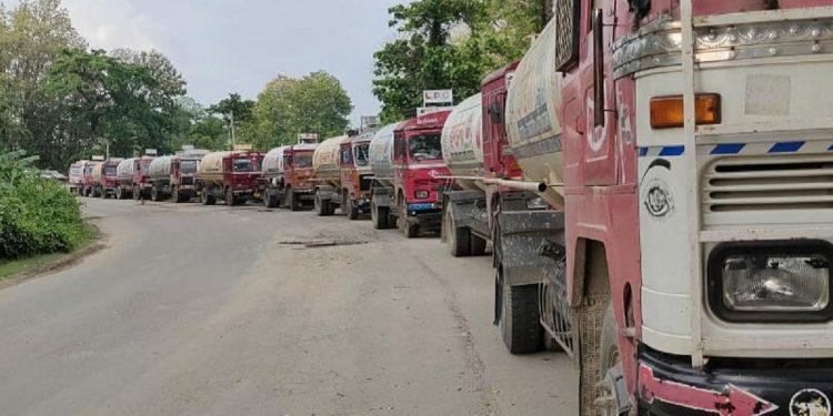 LPG truckers continue 'chakka jam' at Churaibari check post in Tripura along Assam border 1