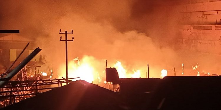 Assam: Massive fire guts at least 30 houses in Dibrugarh 1