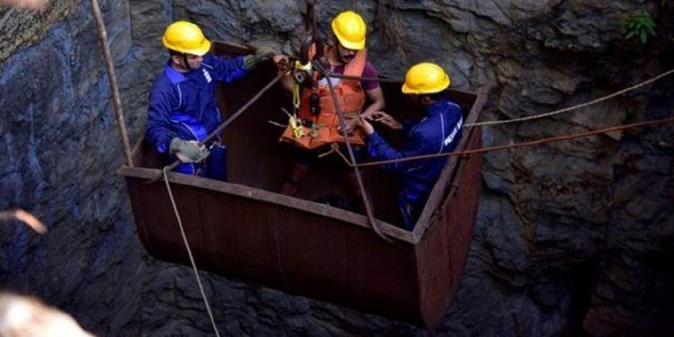 Meghalaya coal mine tragedy: Navy 'spots' bodies of two miners 1